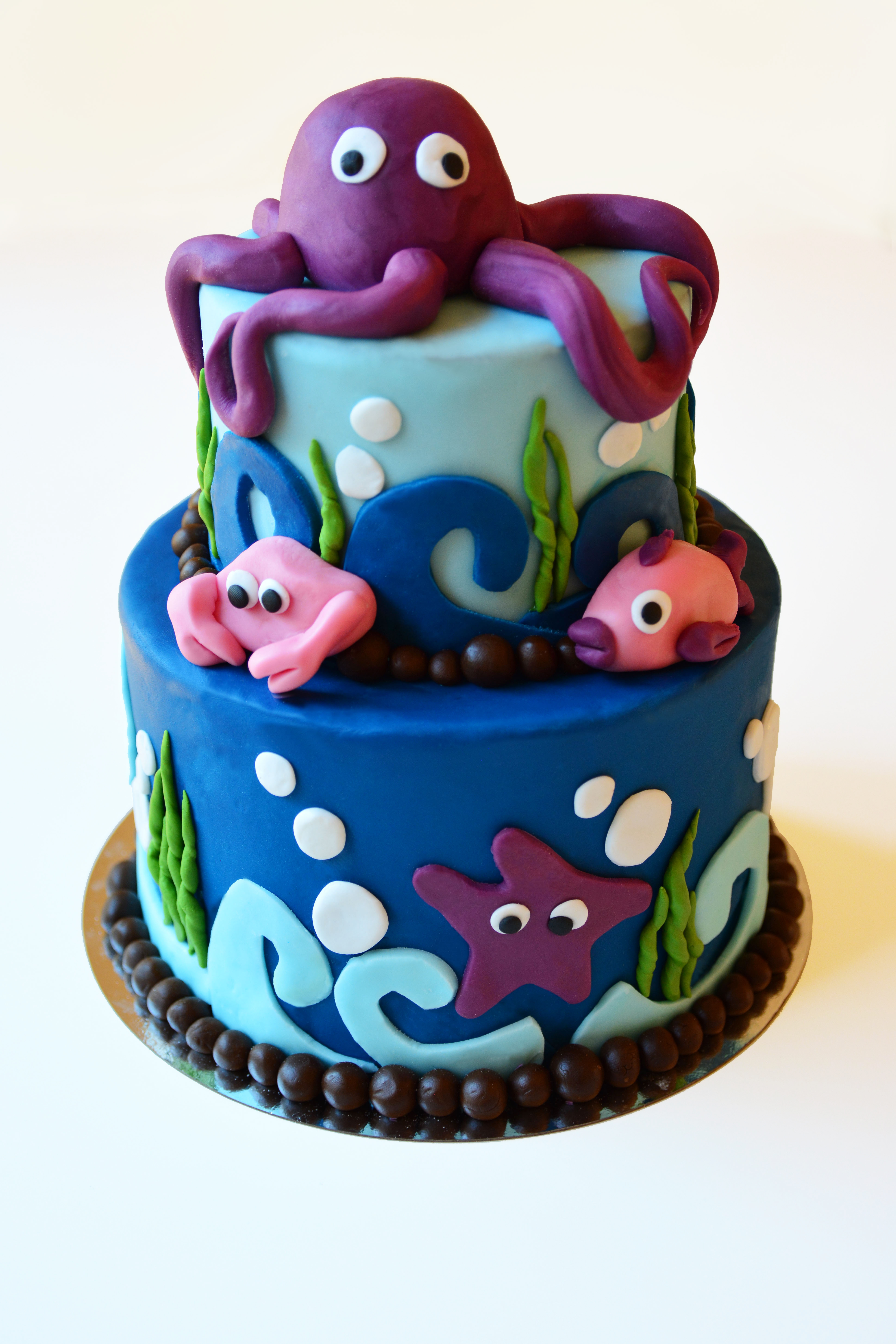 Under The Sea Medium Cake